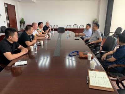 塞尔维亚克拉古耶瓦茨市政府代表来锡访问
